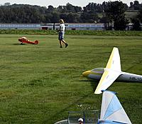 Name: 01.jpg Views: 33 Size: 195.3 KB Description: Taxiing out for the first flight on the TMV grass surface, gliders awaiting the towship repair.