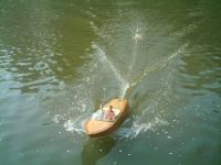 Name: IMAG0031.jpg Views: 379 Size: 59.7 KB Description: waterskiing :)