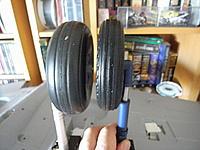Name: M0012409.jpg Views: 96 Size: 82.3 KB Description: comparison of wheels