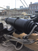 Name: 450px-HMS_Victory_68lb_Carronade.png