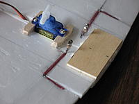 Name: b18 009.jpg Views: 334 Size: 74.0 KB Description: Aileron linkage and servo mount.  the plywood piece is for aft wing mounting.