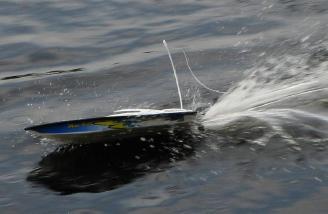 Full speed throwing a good bow splash