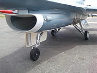 Name: Freewing 90mm F-16 Prototype Landing Gear Posture.jpg