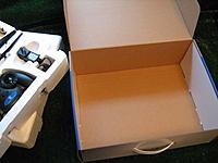Name: UM_box2.jpg Views: 83 Size: 44.8 KB Description: Remove the foam trays.