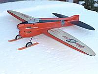 Name: timbeta_1_636.jpg Views: 270 Size: 141.4 KB Description: Timeta with skis :)