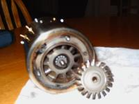 Name: engine show 111.jpg Views: 4812 Size: 123.8 KB Description: turbine wheel out, view into rear end guide vanes