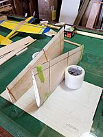 Name: 20171112_115533_resized.jpg Views: 29 Size: 860.1 KB Description: elastic bands  to hols gentle pressure on the glue Joint  the trailing edge  can be aligned by  tightening one sid of the elastic .