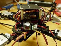 Name: quadcopter10.jpg Views: 61 Size: 222.0 KB Description: Seitenansicht. Im Vordergrund ein Lipo-Warner mit LED und Buzzer.