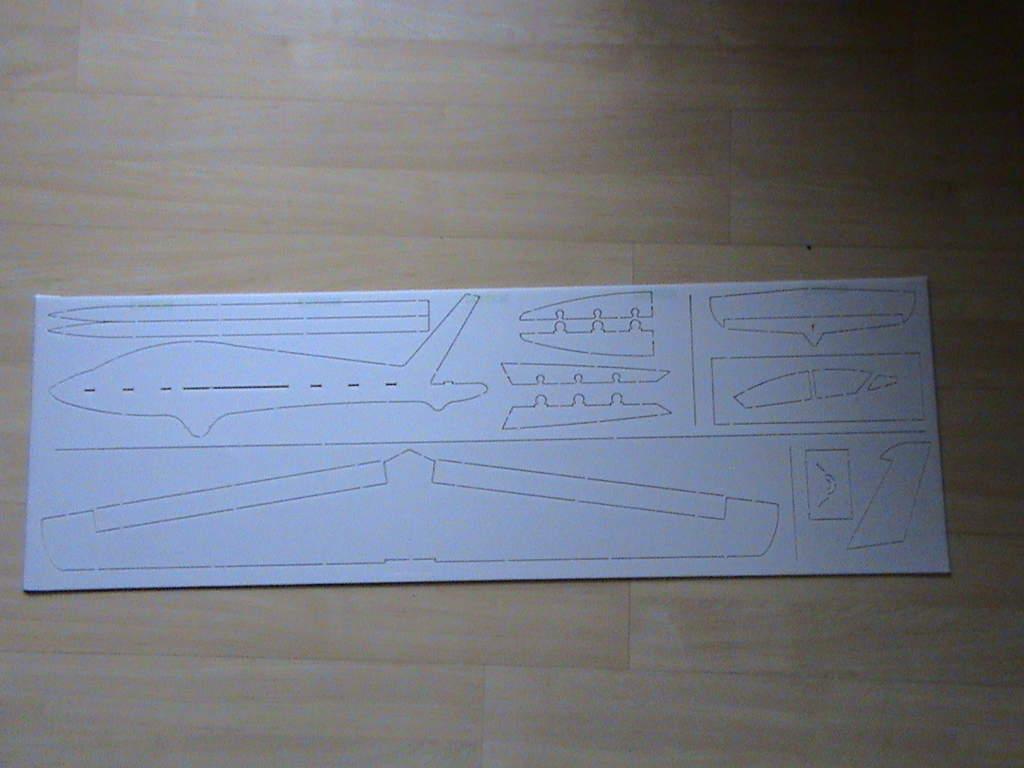 Name: DSC00002.jpg Views: 789 Size: 52.1 KB Description: Cutting with CNC machine