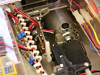 Name: a_2187.jpg Views: 490 Size: 89.6 KB Description: The servo drives a yoke linkage for adjusting the self-made variable pitch prop.