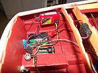 Name: DSC04618.jpg Views: 345 Size: 114.5 KB Description: Put a drop of CA glue on the threaded rod in back of the kwik links before dropping out the rudder.