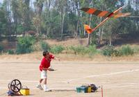 Name: Xplorer001_3 (Medium).jpg Views: 1401 Size: 94.7 KB Description: Another launch shot and here you can see the plane has lost very little angle from the hand. Rotation is immediate.