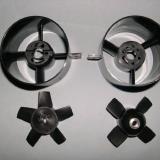 Minifan on the left. HET fan on the right.