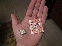 Name: gluonpilot2_gps.jpg Views: 150 Size: 99.3 KB Description: Gluonpilot 2 main board and a small lightweight GlobalTop GPS (PA6H)