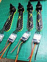 Name: zmr418.jpg Views: 236 Size: 161.4 KB Description: Preparing arms, motors and ESCs