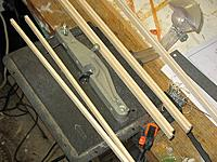 Name: dxi 69.jpg Views: 204 Size: 105.5 KB Description: balsa strip being grooved on Dremel router