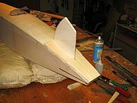 Name: dxi 80.jpg Views: 166 Size: 70.8 KB Description: Rough blocks glued in place with fin as spacer..