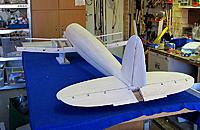 Name: He111-20.jpg Views: 255 Size: 79.4 KB Description: ...and sitting inder the fuselage....