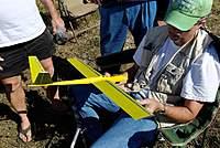 Name: DSC_6659_DxO.jpg Views: 155 Size: 119.0 KB Description: Paul checks out Ben's Mini-Rotor.
