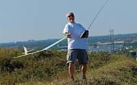 Name: DSC_6678_DxO.jpg Views: 98 Size: 106.9 KB Description: Tom winds his Longshot 2 up.