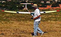 Name: DSC_0761_DxO (Custom).jpg Views: 110 Size: 207.9 KB Description: A happy Dan heads back to the winch.