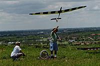 Name: DSC_2242_DxO (Custom).jpg Views: 101 Size: 147.0 KB Description: Dan sends the Skyhawk up.