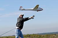 Name: DSC_4916_DxO.jpg Views: 41 Size: 83.5 KB Description: Paul sends Dan's plane out on the slope.