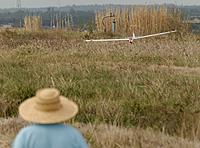 Name: DSC_5122_DxO.jpg Views: 42 Size: 204.7 KB Description: Dan sets it down in the wheat grass.