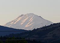 Name: DSC_0303_DxO.jpg Views: 78 Size: 157.4 KB Description: Mt Adams at sundown.