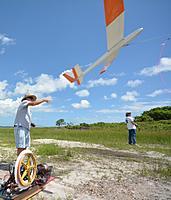 Name: DSC_2703.jpg Views: 46 Size: 142.7 KB Description: Dan send his Wind Drifter up.