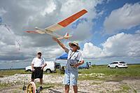 Name: DSC_2710.jpg Views: 45 Size: 191.0 KB Description: Dan sends the Wind Drifter back up.