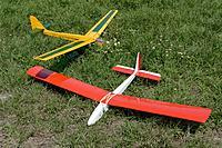 Name: D71_5880_DxO.jpg Views: 93 Size: 913.5 KB Description: Dan's floaters await some flight time.