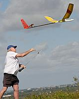 Name: D71_9522_DxO.jpg Views: 36 Size: 153.8 KB Description: Bill launches his extended wing Fling.