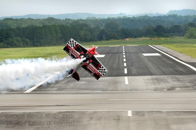Name: Airshow4C.jpg Views: 433 Size: 53.7 KB Description: