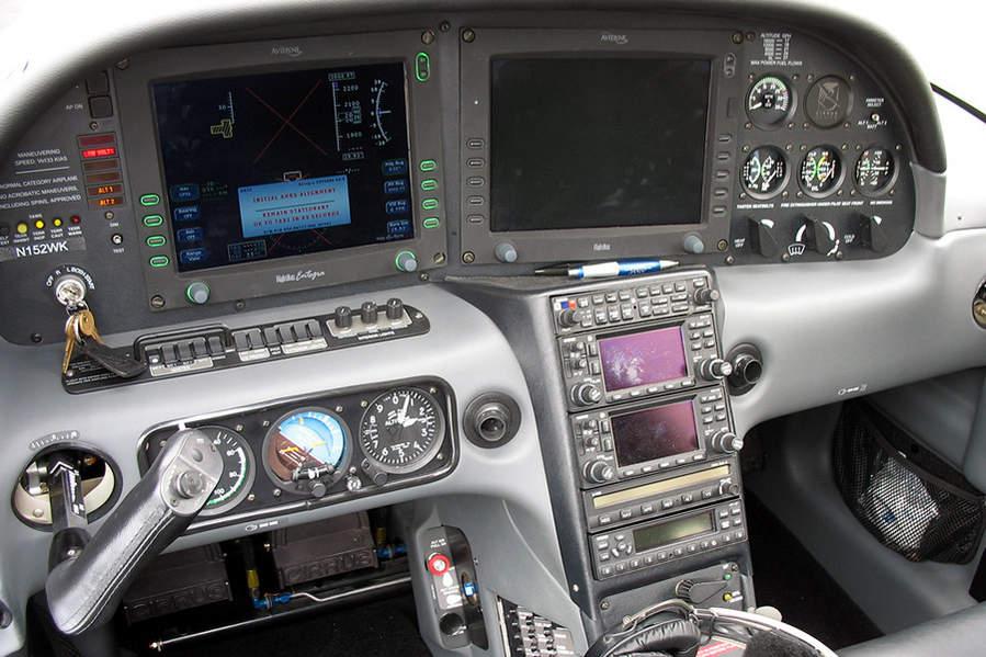 Attachment Browser Cirrus Sr 22 Cockpit N152wk Avidyne