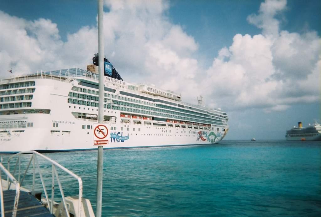 Name: 210632-R1-06-6_007.jpg Views: 468 Size: 68.3 KB Description: NCL Peral cruise ship.