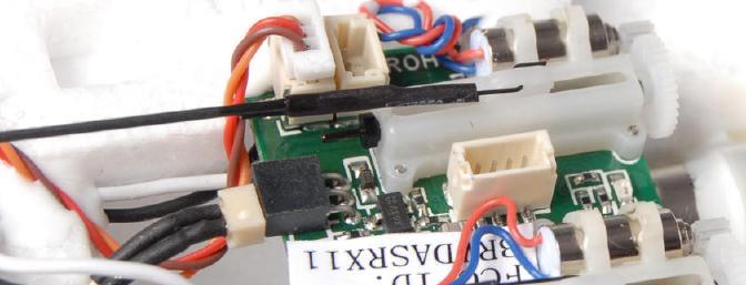 The Spektrum AR6400L DSM2 receiver unit.
