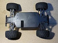 Name: RH - rocket smax - chassis under.jpg Views: 167 Size: 619.0 KB Description: