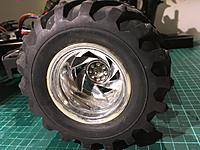 Name: IMG_4133.JPG Views: 14 Size: 2.10 MB Description: Nice chrome wheels. Really nice looking!