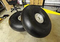 Name: DSC_0971.JPG Views: 126 Size: 220.0 KB Description: real tundra tires
