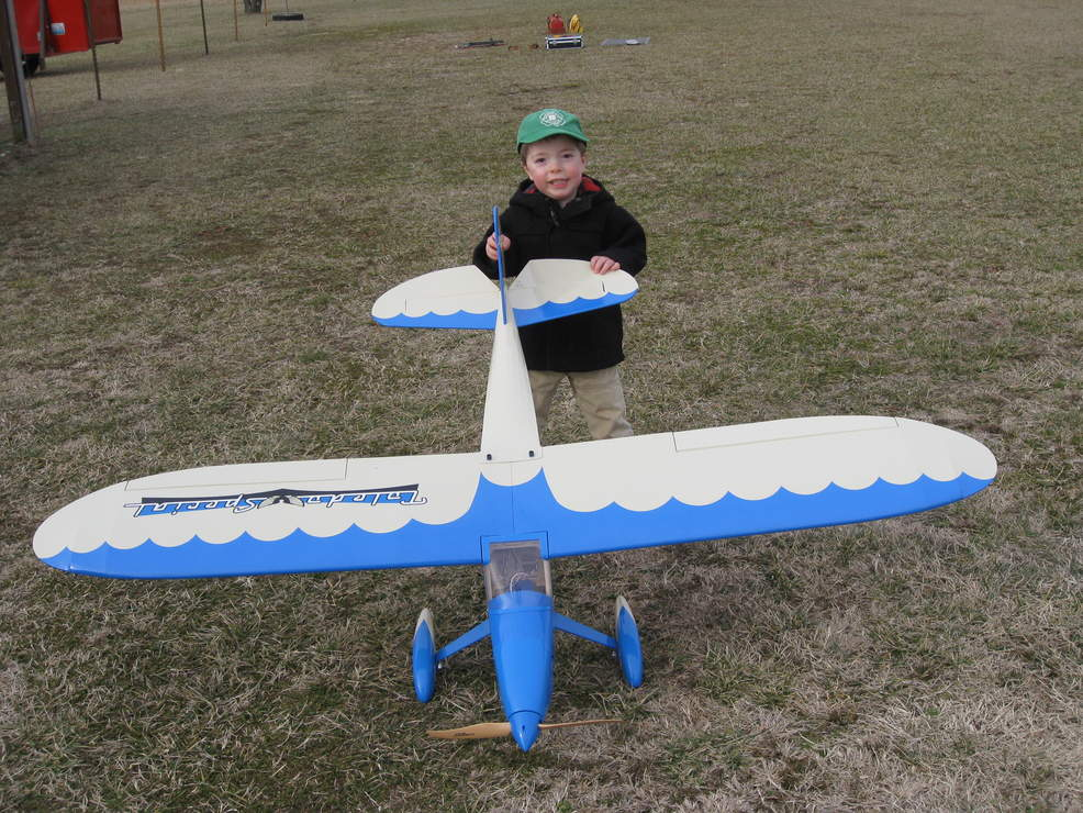 Name: IMG_2124.jpg Views: 338 Size: 137.4 KB Description: Ethan showing it off at the field.