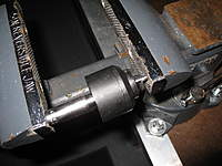 Name: IMG_2007.jpg Views: 325 Size: 77.9 KB Description: Load it in the vise like this.