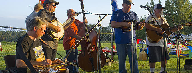Dinner guests were treated to a great Bluegrass band - Clear Run!
