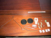 Name: IMG_1116.jpg Views: 255 Size: 224.6 KB Description: this is the hardware the airplane brings, a lot of carbon fiber to make it nice and stiff