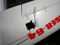 Name: DSCF4829.jpg Views: 890 Size: 192.3 KB Description: The bend in the servo pushrod.