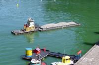 Name: DSC02593.jpg Views: 183 Size: 89.5 KB Description: The barge's owner