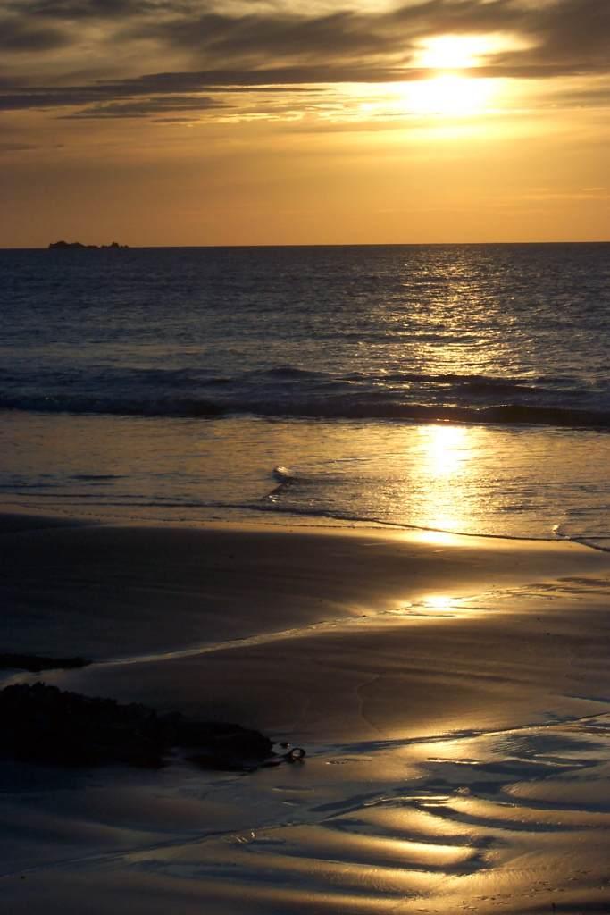 Name: 100_3575.jpg Views: 297 Size: 65.9 KB Description: Beach at Marrawar Tasmania