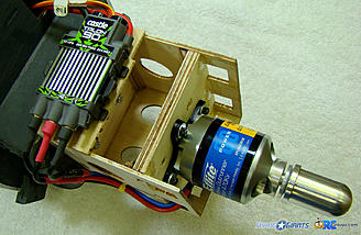 <b>ESC mounted to the bottom of the motor box.</b>