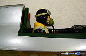 <b>Pilot's head even with the head rest.</b>