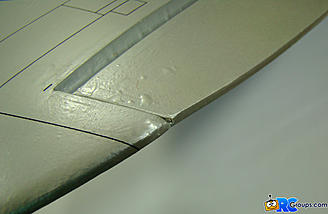 <b>Aileron surface adjusted to neutral.</b>